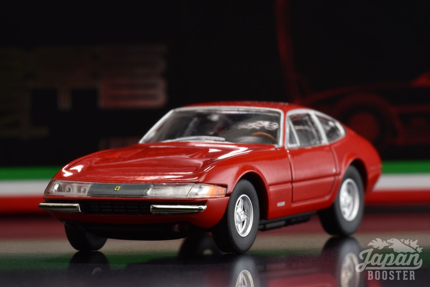LV-FERRARI 365 GTB4 Red
