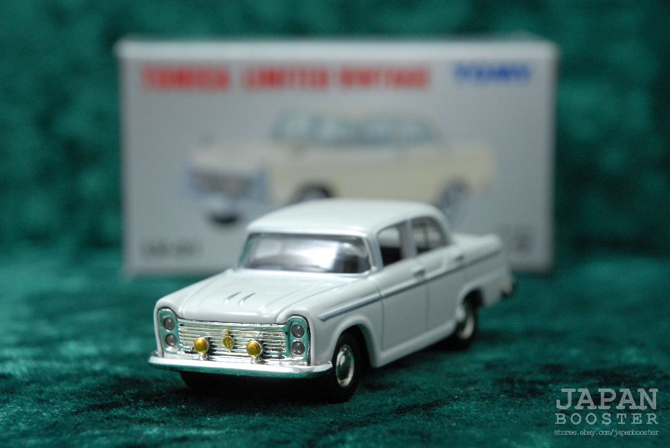 LV-01 WHITE